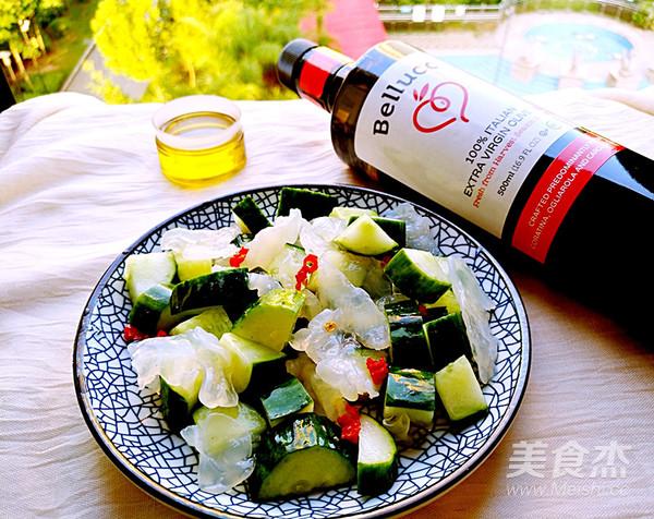 凉拌海蛰黄瓜成品图