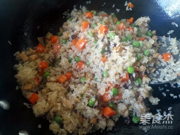 美味炒糯米饭怎样煮