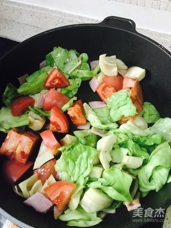 番茄炒包菜(快手菜)的简单做法