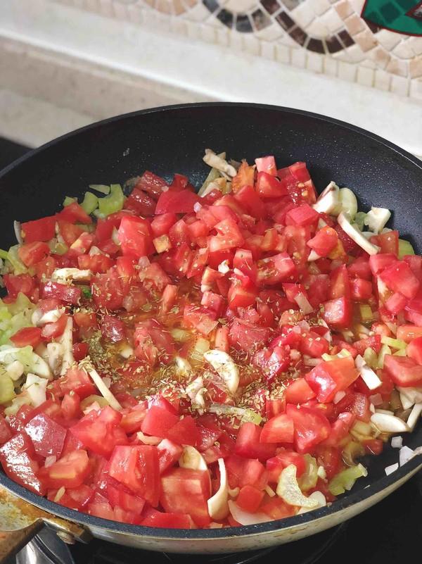 肉丸番茄意面的步骤