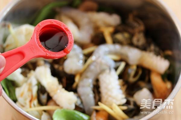 酒蒸海鲜野菜的家常做法