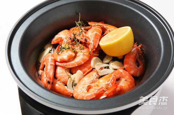 百里香蒸烤鲜虾成品图