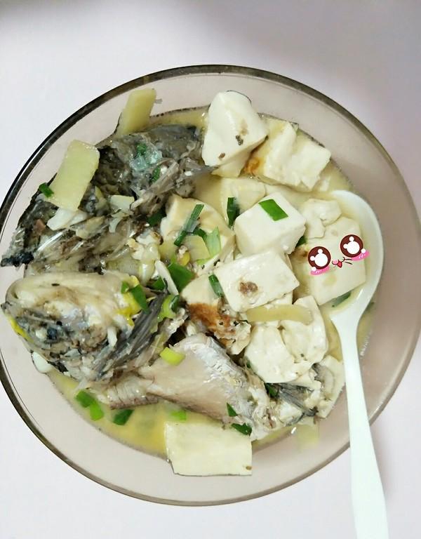 鲫鱼豆腐汤成品图
