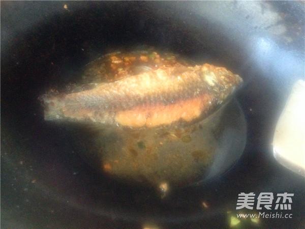 红烧鲫鱼怎么炒