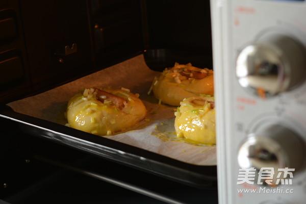 香肠香葱调理面包的做法大全