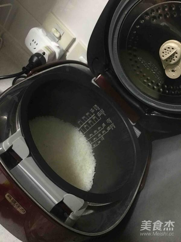 韩式牛肉拌饭怎样做