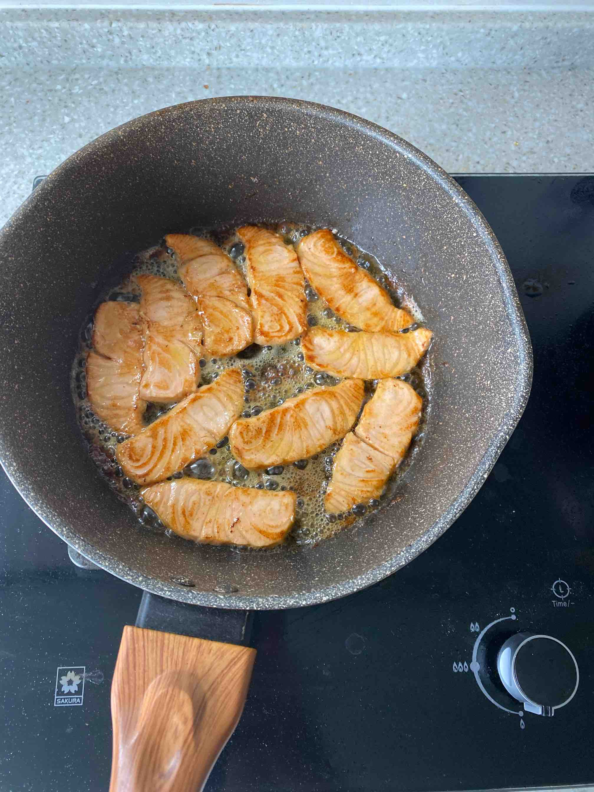 煎三文鱼怎么炒