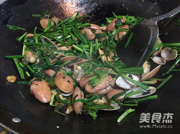 豉椒紫苏炒花甲怎么炒