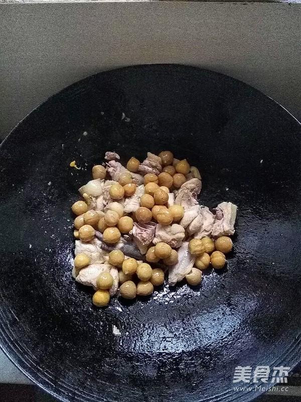 板栗烧鸡怎么吃