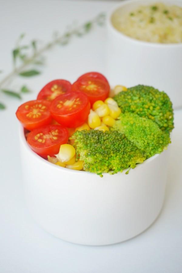 夏日轻食沙拉成品图