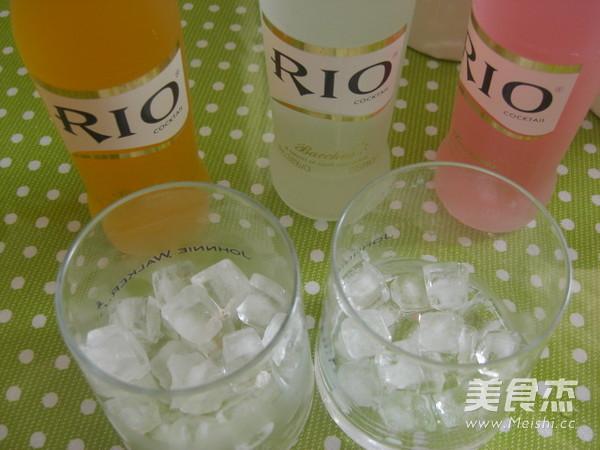 葡萄柚水蜜桃味鸡尾酒的做法图解