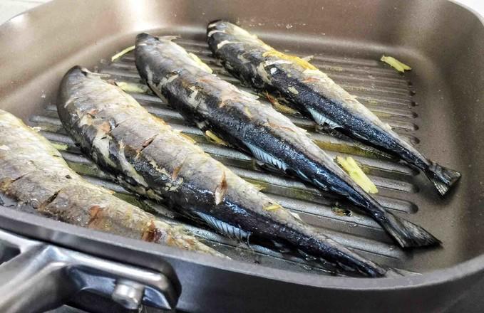 香煎秋刀鱼怎么吃