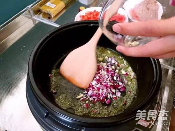 易买易学貌美肉酱意粉的家常做法