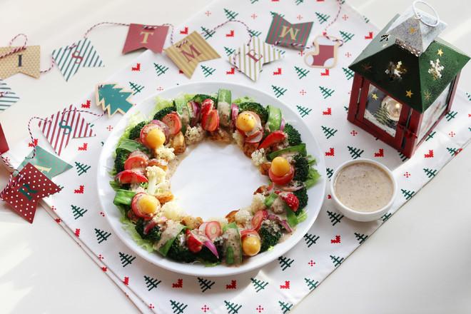 圣诞花环-丘比沙拉汁成品图