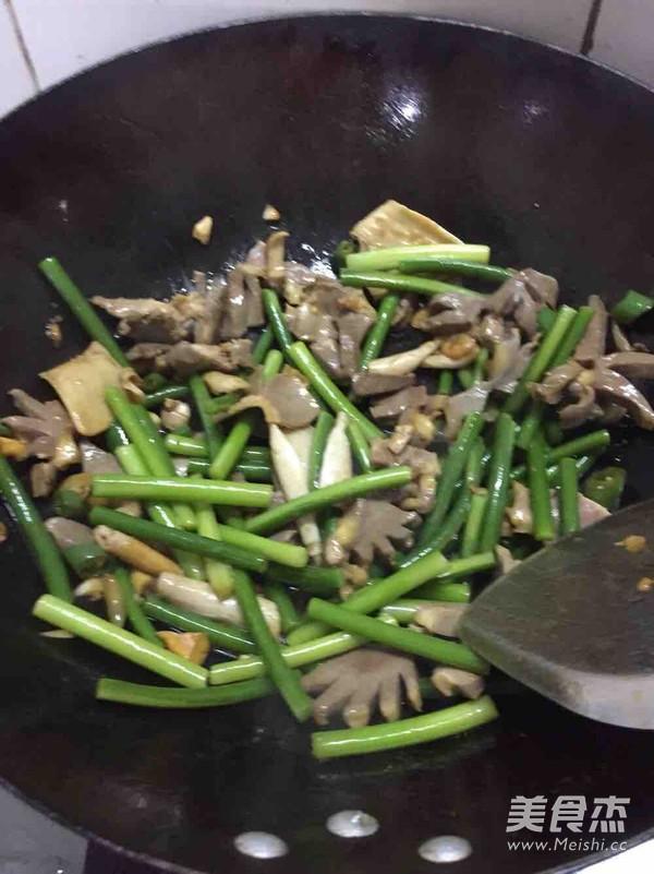 蒜苔炒鸭胗怎么煮