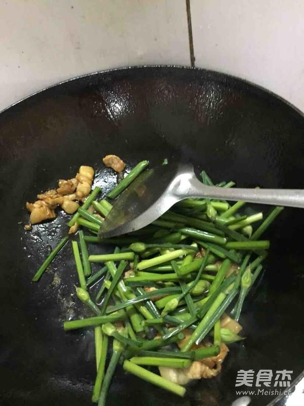 韭菜苔炒肉丝怎么做