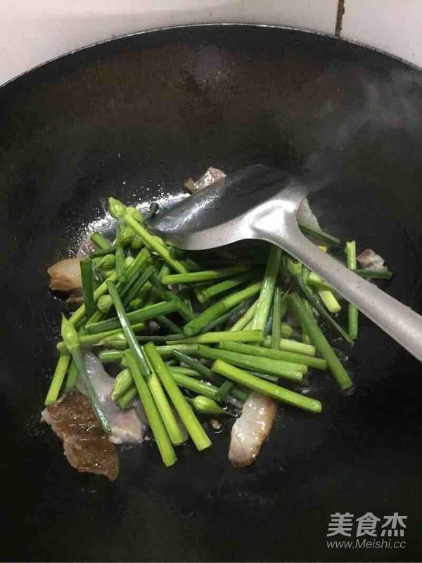 韭菜苔炒腊肉的简单做法