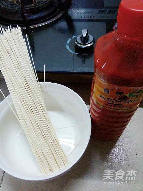 红酸汤煮挂面的做法大全