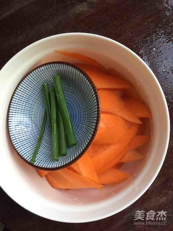 胡萝卜烧鱼块的做法图解