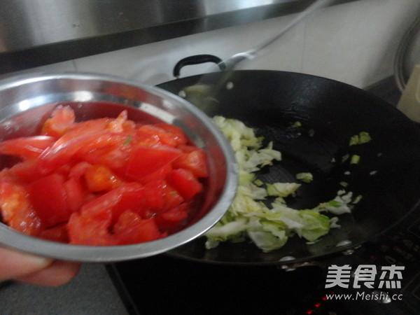 西红柿素炒洋白菜怎么做