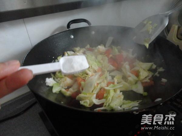 西红柿素炒洋白菜怎么炒