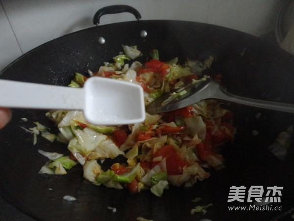 西红柿素炒洋白菜怎么炖