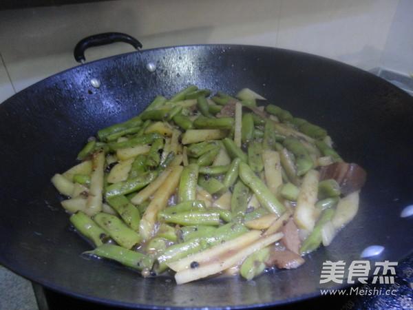 土豆豆角烩肉怎么煮