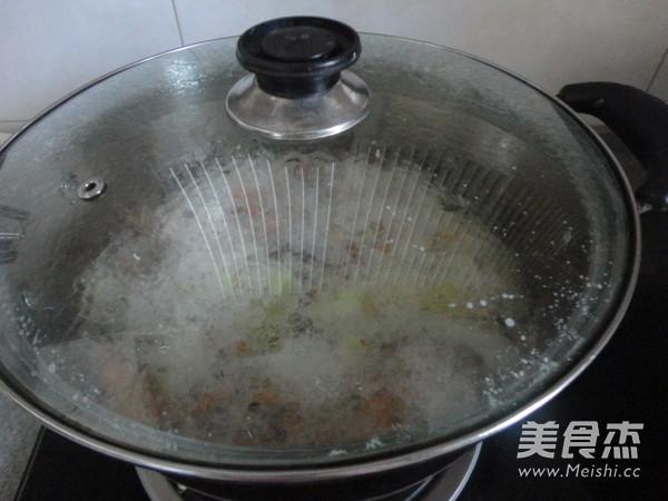 水煮基围虾怎么吃