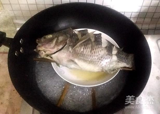 清蒸鲫鱼的家常做法