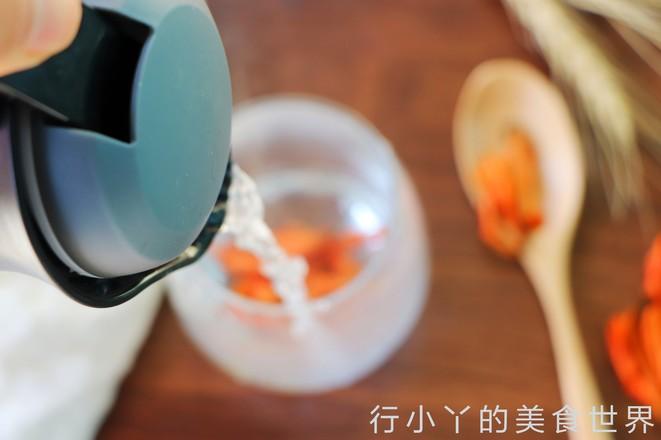 安神助眠的百合花茶的做法图解