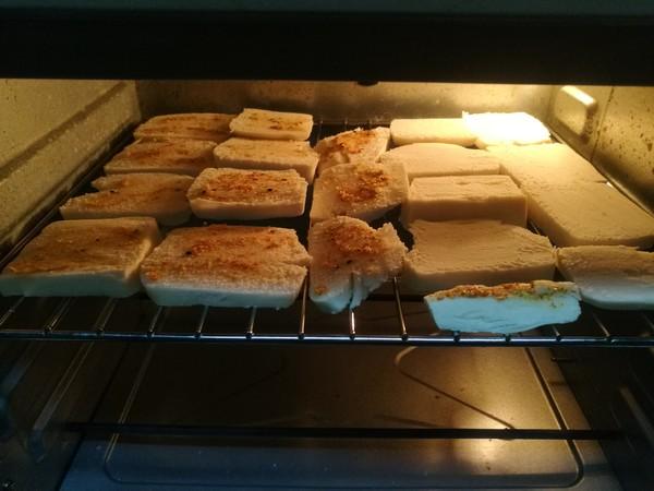 蒜香烤馒头片的简单做法