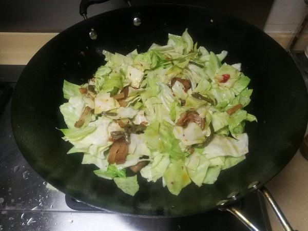 炒卷心菜的家常做法