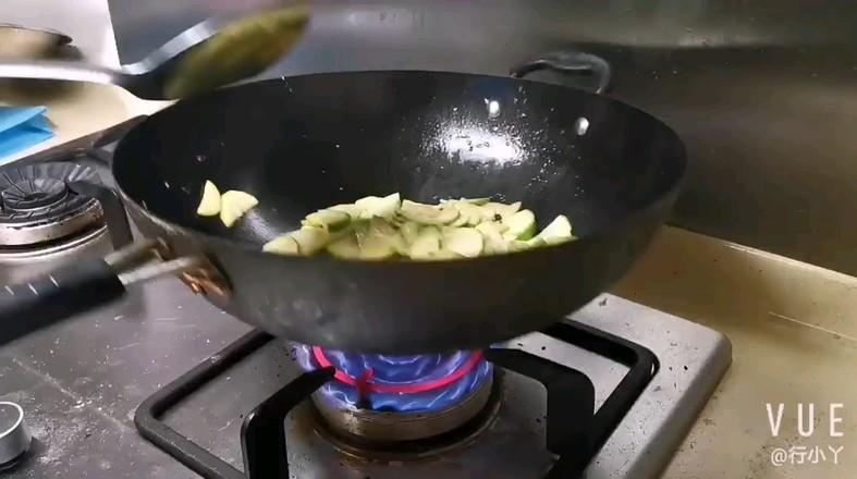 酸辣西葫芦的简单做法