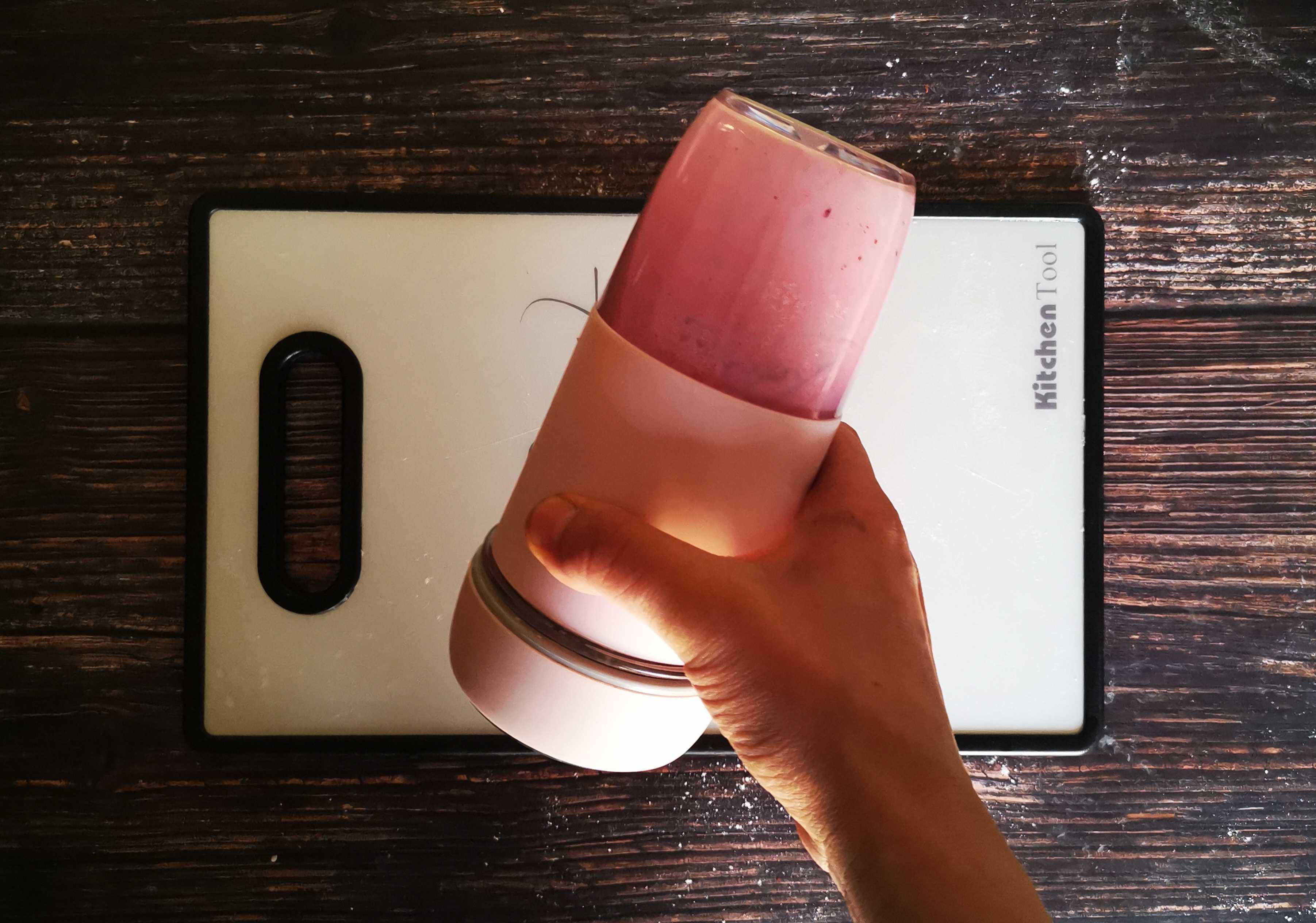 蜜瓜桑椹酸奶奶昔的简单做法