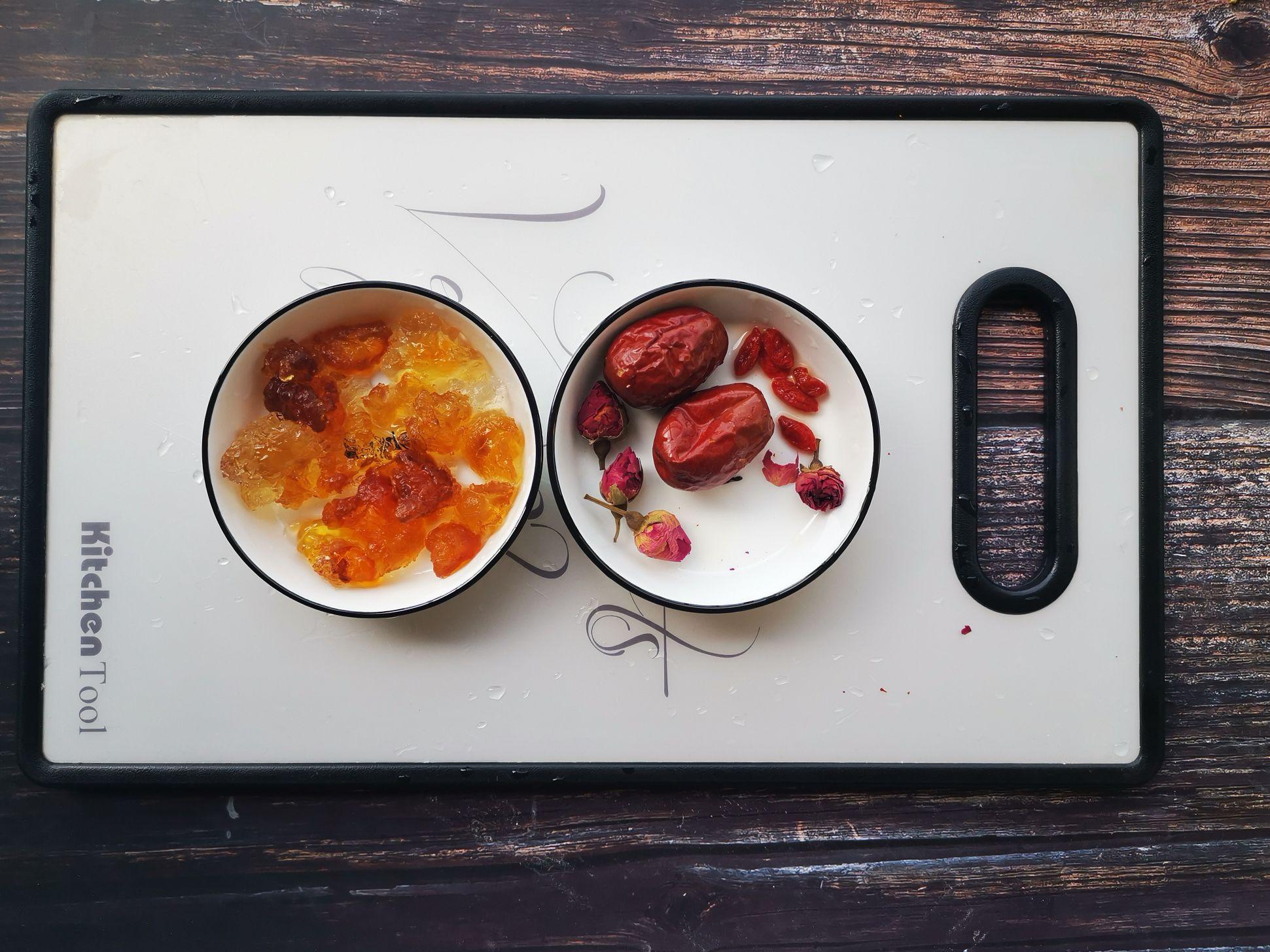 桃胶玫瑰花茶的做法图解