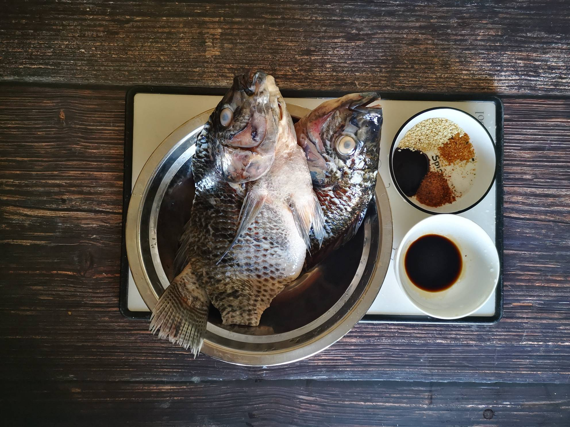 香烤罗非鱼的做法大全