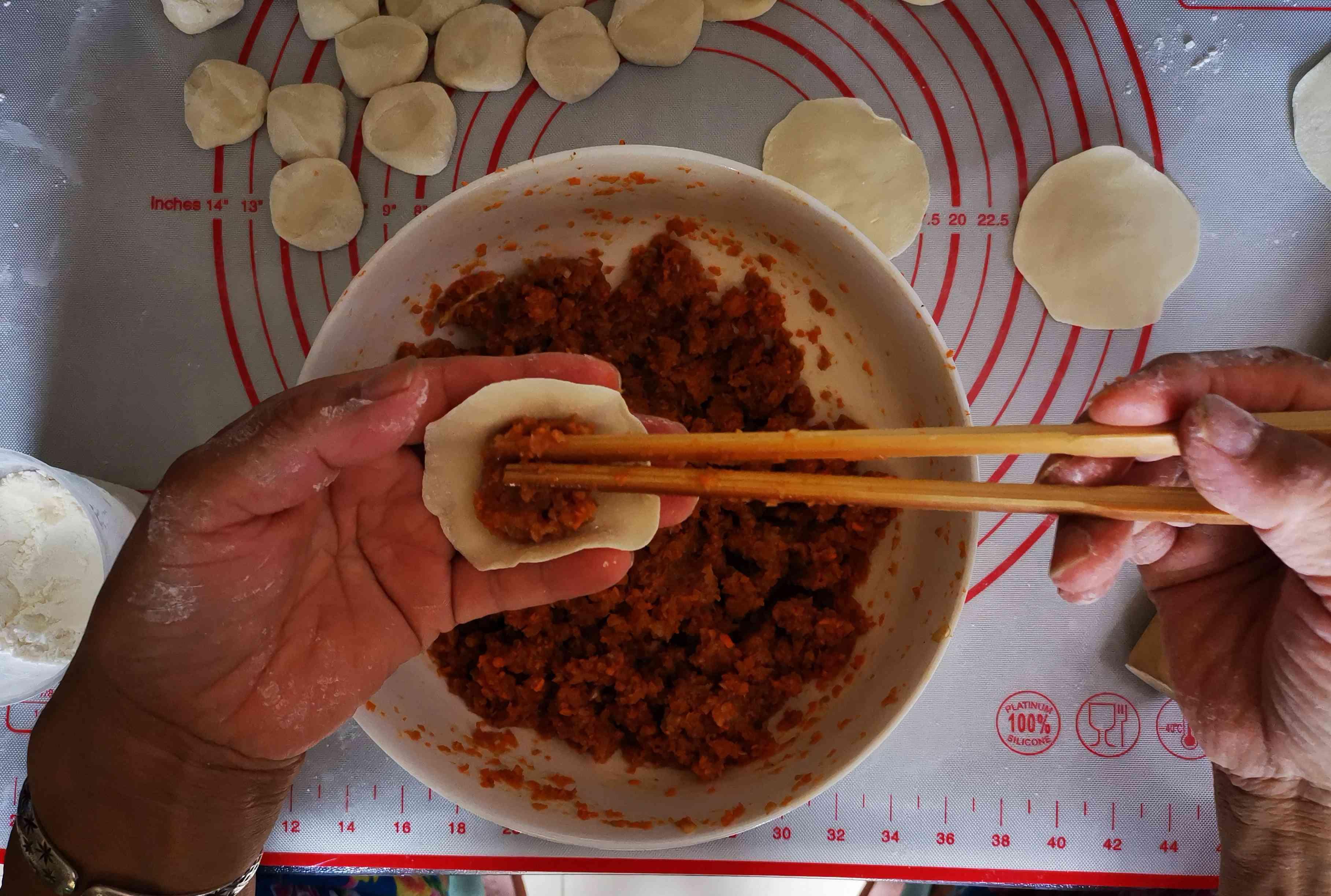 胡萝卜猪肉煎饺怎么吃