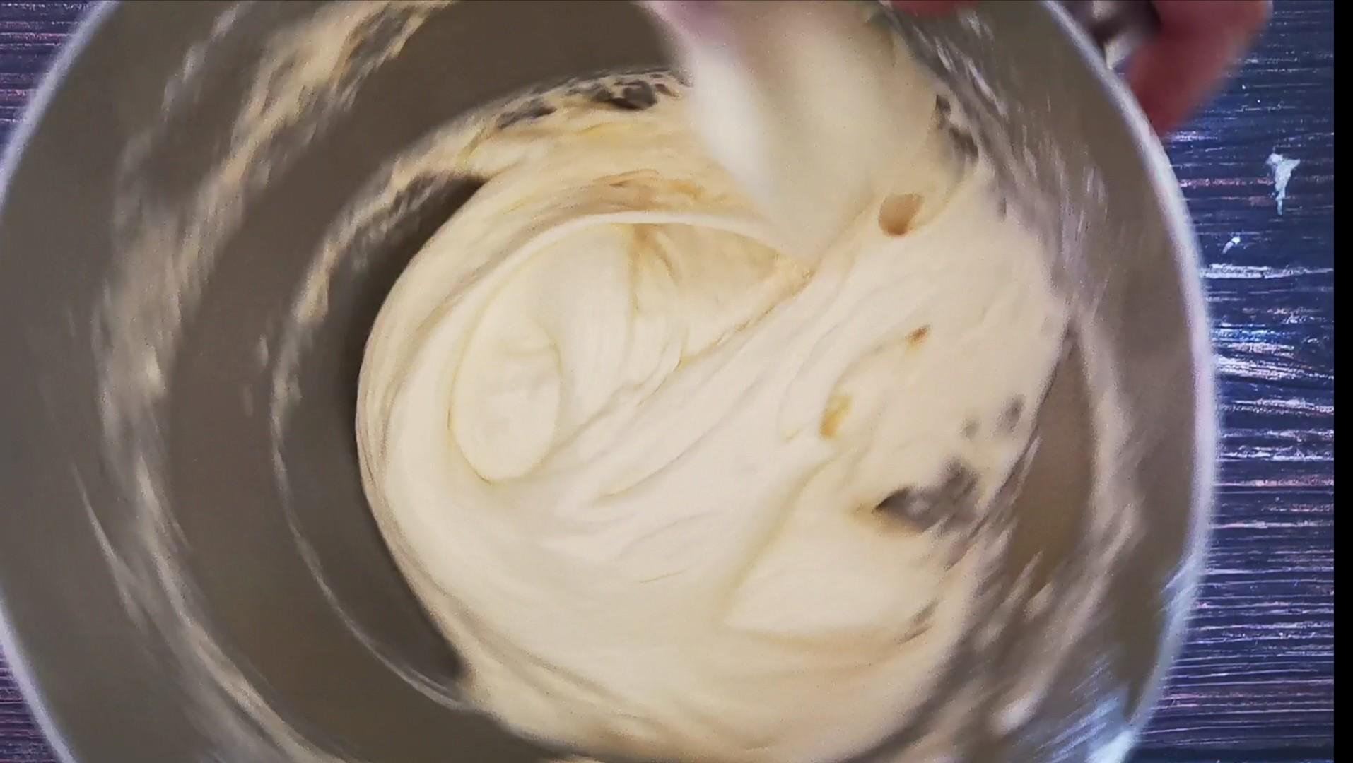 全蛋法版杯子蛋糕的家常做法