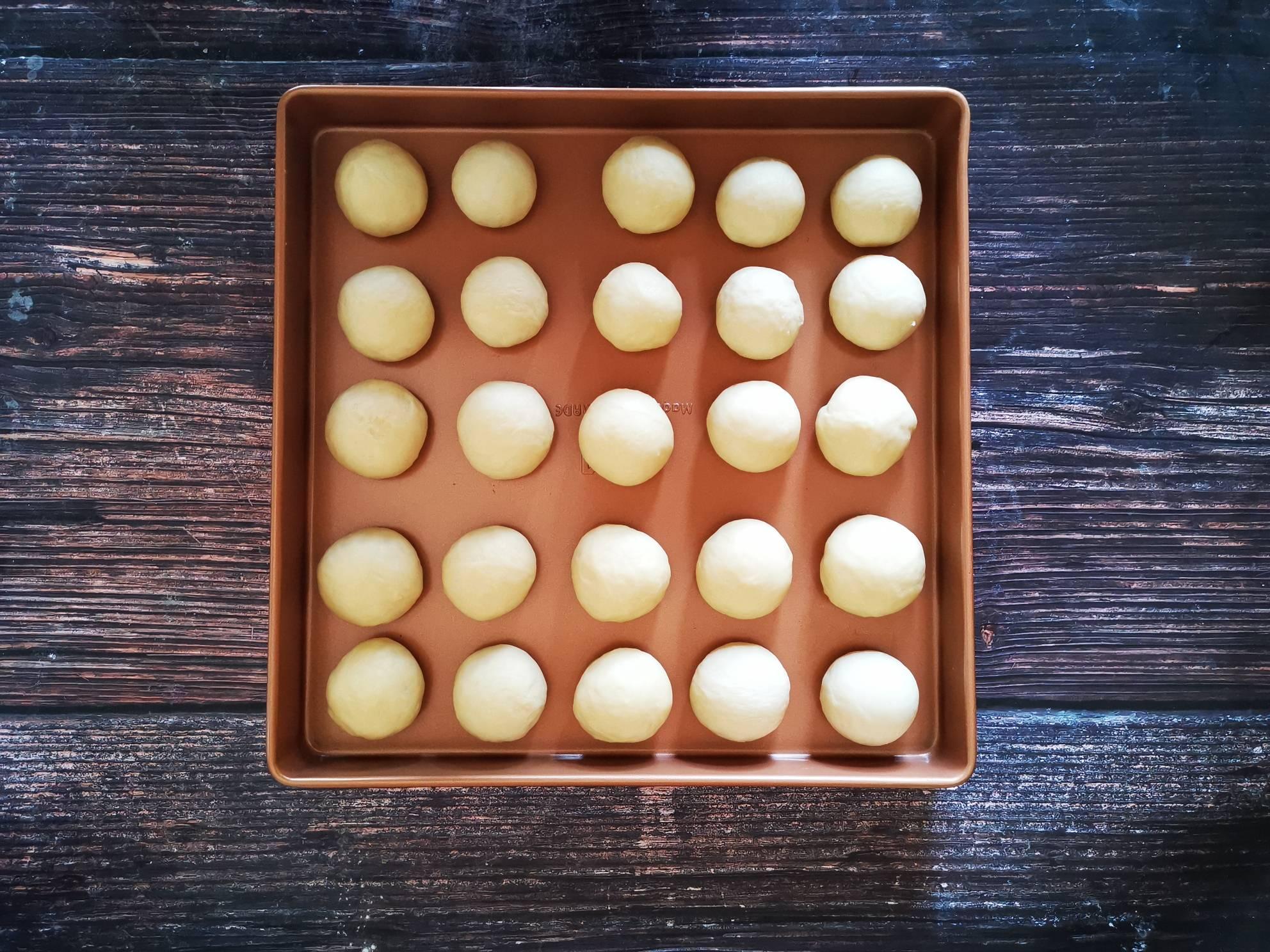 柔软香甜牛奶小餐包的简单做法