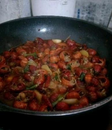 炒小龙虾怎么吃