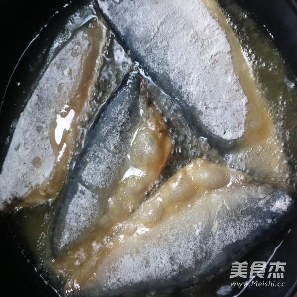 香煎鲅鱼怎么吃