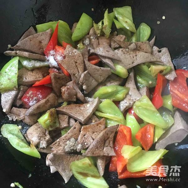辣椒炒猪肝怎么做