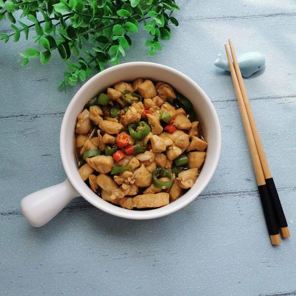 青红椒炒鸡脯肉成品图