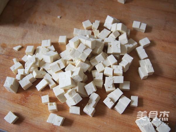 香椿芽拌豆腐的做法大全