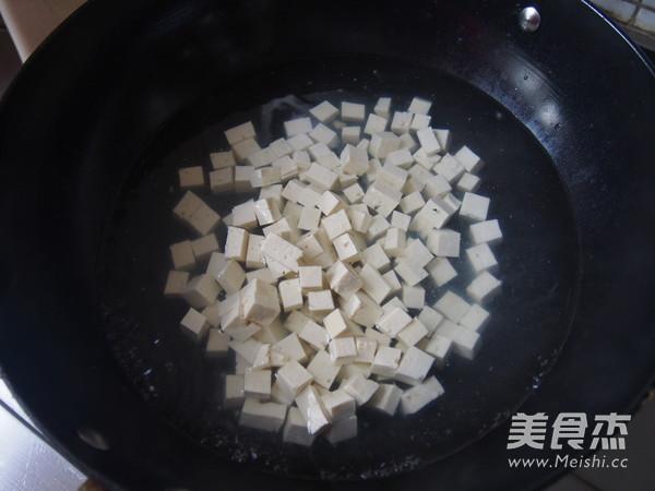 香椿芽拌豆腐的做法图解