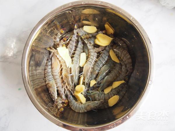 白灼竹节虾#丘比沙拉汁#的家常做法