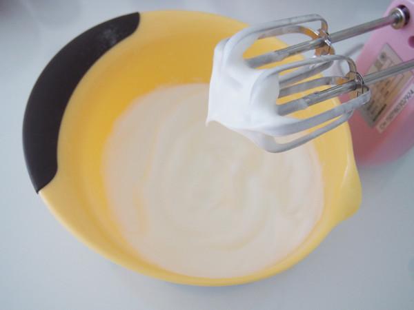火龙果泥蛋糕卷怎么做