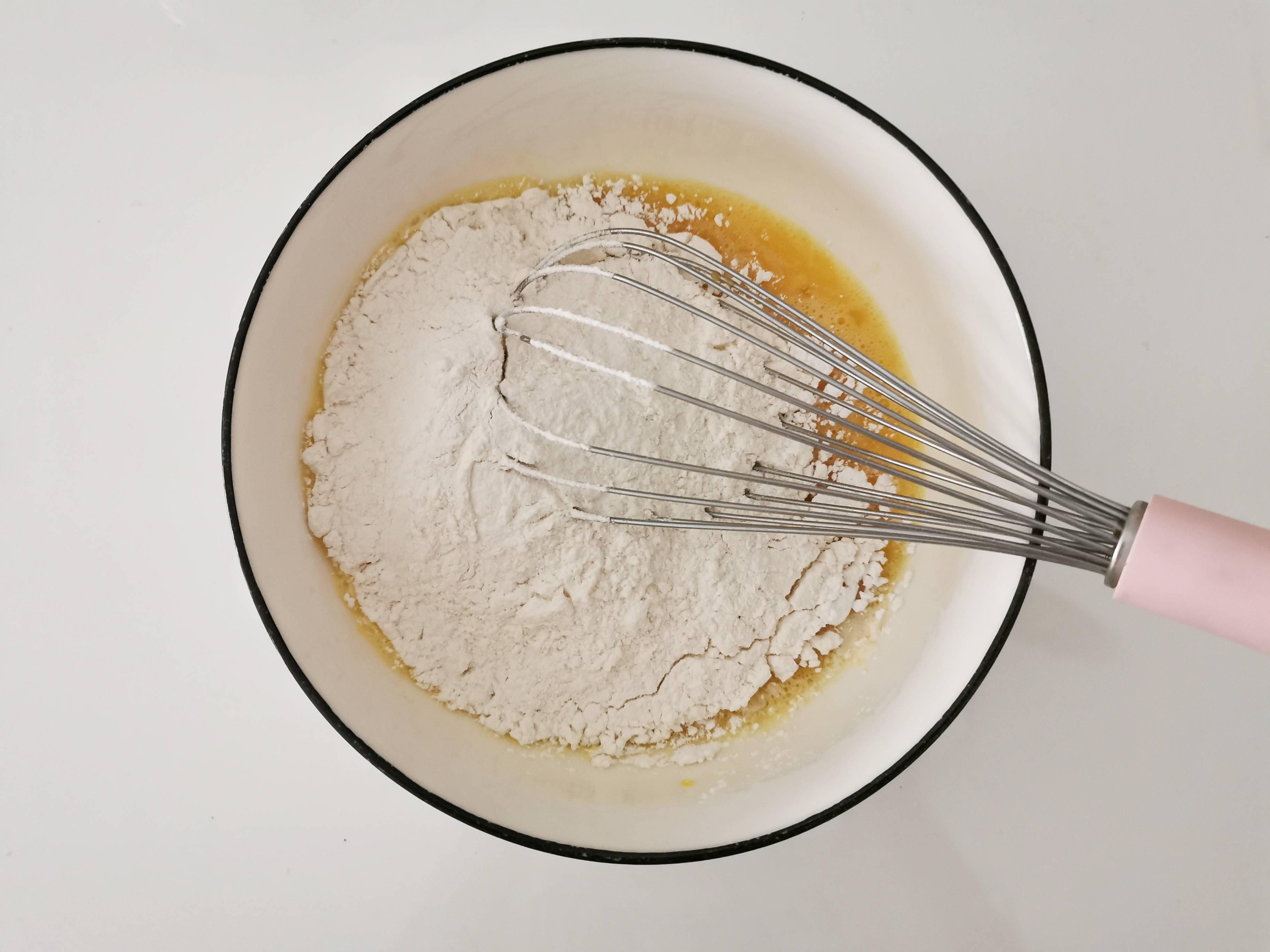 藏有秘密的豆沙蛋饼的简单做法