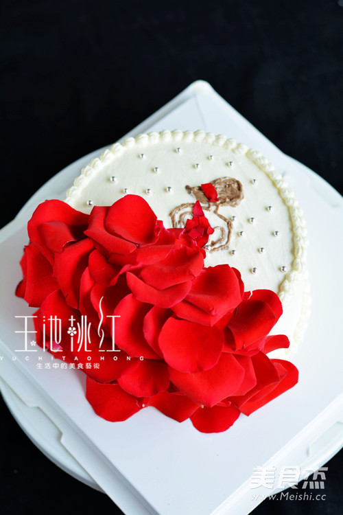 玫瑰花裙奶油蛋糕成品图