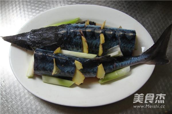 清蒸鲟鱼的家常做法